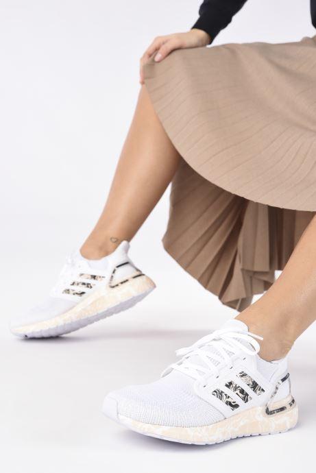Chaussures de sport adidas performance Ultraboost 20 W Blanc vue bas / vue portée sac