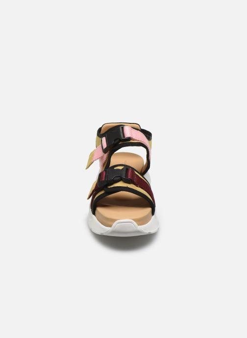 Sandali e scarpe aperte Another Project Corinne Marrone modello indossato