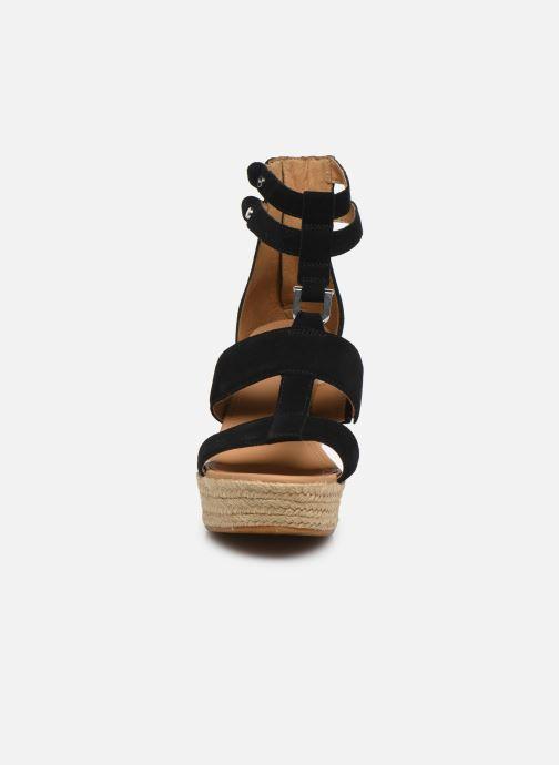 Sandales et nu-pieds UGG Kolfax Noir vue portées chaussures