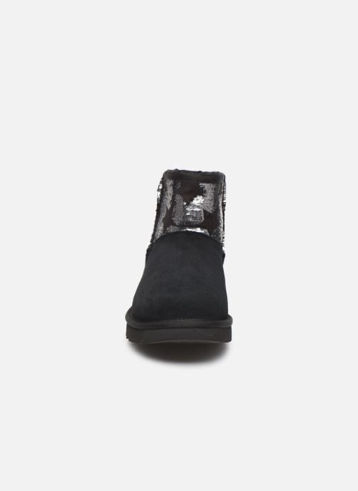 Ankle boots UGG Classic Mini Sequin Stars Black model view