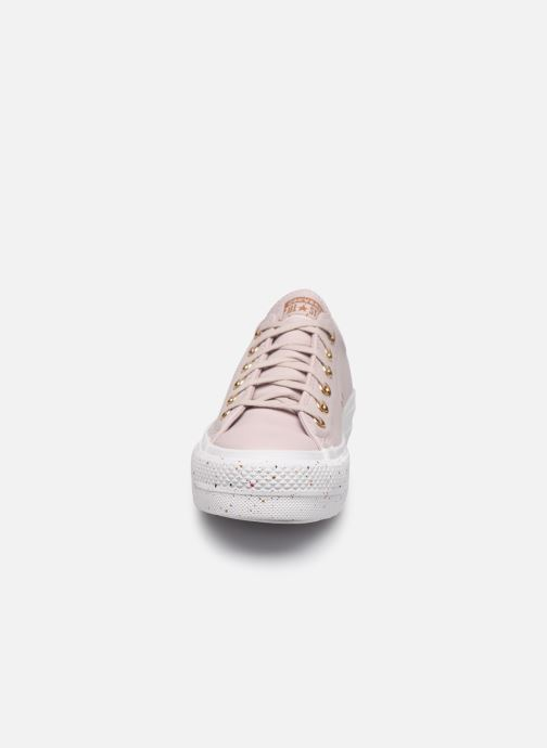 Baskets Converse Chuck Taylor All Star Lift Precious Metals Ox Rouge vue portées chaussures