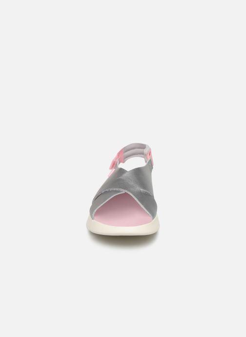 Sandali e scarpe aperte Camper Oruga New Argento modello indossato