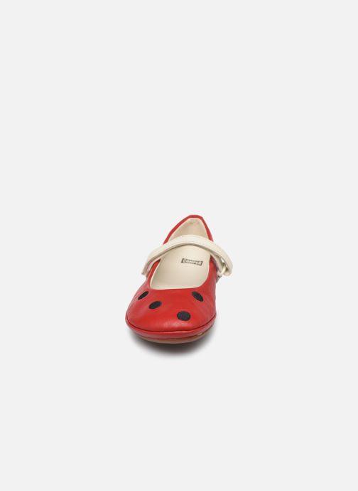 Ballerines Camper Twins 800390 Rouge vue portées chaussures