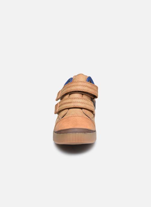 Sneakers Vertbaudet KG - Basket haute Marrone modello indossato
