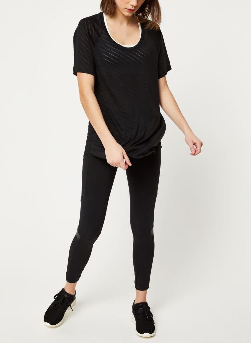 Vêtements adidas performance W Burn Out Tee Noir vue bas / vue portée sac