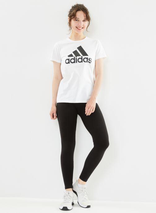 Vêtements adidas performance W Bos Co Tee Blanc vue bas / vue portée sac