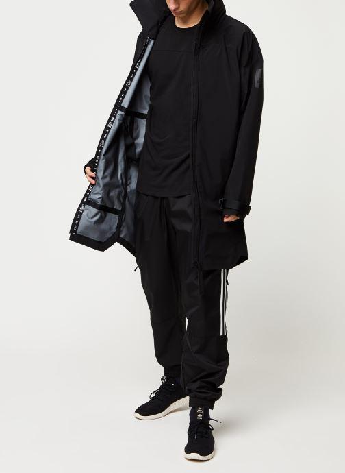Vêtements adidas performance Myshelter Parka Noir vue bas / vue portée sac