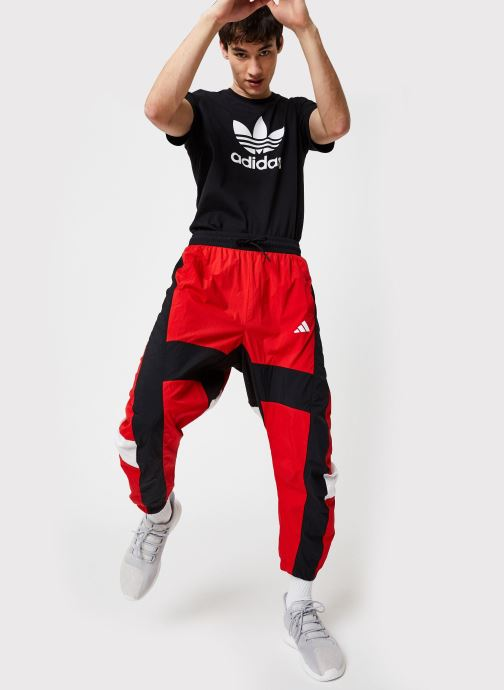Vêtements adidas performance M O Shape Pant Rouge vue bas / vue portée sac