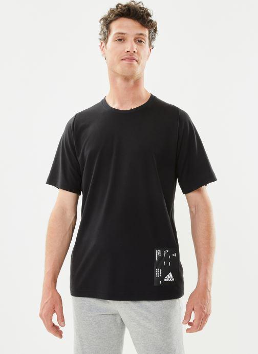Vêtements adidas performance M Tech Tee Noir vue droite