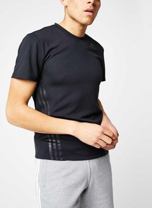 Vêtements adidas performance Aero 3S Tee Noir vue droite