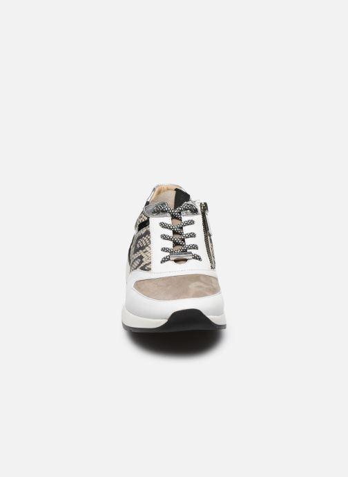 Sneakers JB MARTIN 1KALIO Bianco modello indossato