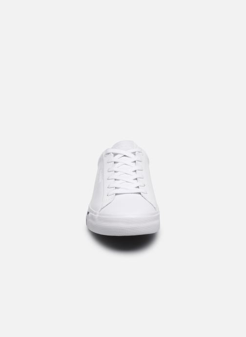 Baskets Tommy Hilfiger CORPORATE LEATHER SNEAKER Blanc vue portées chaussures