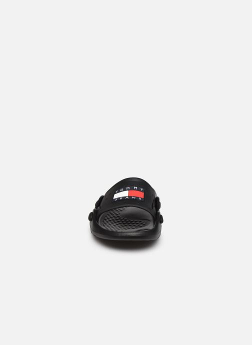 Sandalen Tommy Hilfiger HERITAGE TOMMY JEANS POOLSLIDE schwarz schuhe getragen
