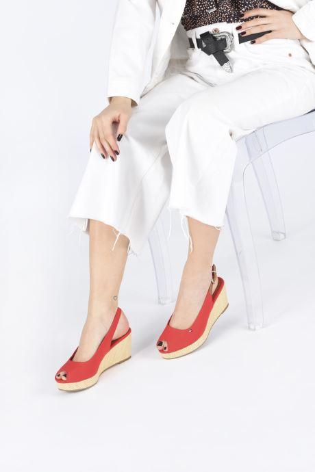 Sandales et nu-pieds Tommy Hilfiger ICONIC ELBA SLING BACK WEDGE Rouge vue bas / vue portée sac