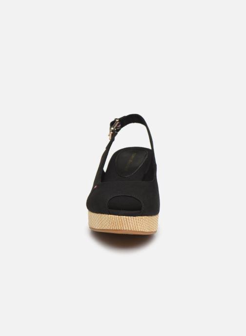 Sandales et nu-pieds Tommy Hilfiger ICONIC ELBA SLING BACK WEDGE Noir vue portées chaussures