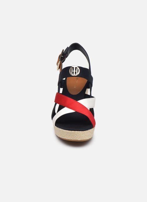 Sandales et nu-pieds Tommy Hilfiger BASIC HARDWARE HIGH WEDGE SANDAL Bleu vue portées chaussures