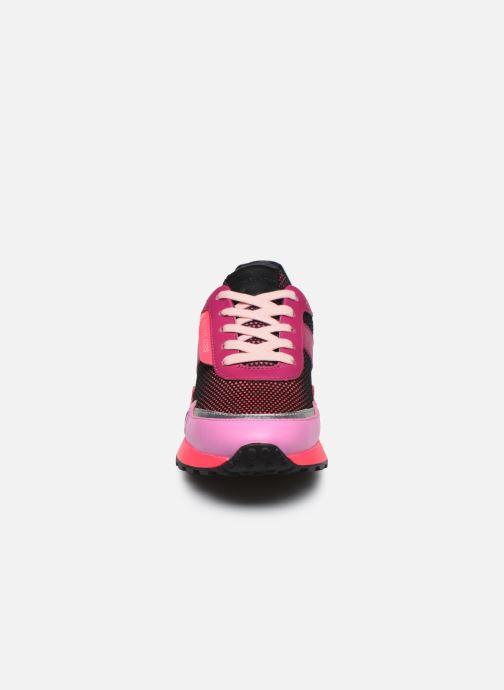 Sneakers Michael Michael Kors MONROE  TRAINER Rosa modello indossato