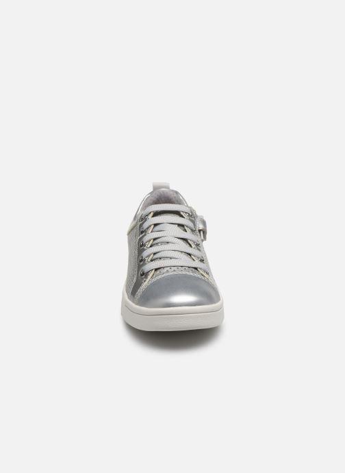 Baskets Geox J Djrock Girl J024MA Argent vue portées chaussures