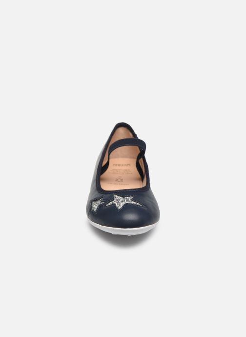 Ballerines Geox Jr Plie J0255G Bleu vue portées chaussures