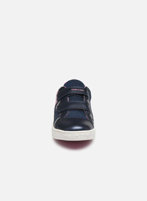 Baskets Geox J Skylin Girl J028WC Bleu vue portées chaussures