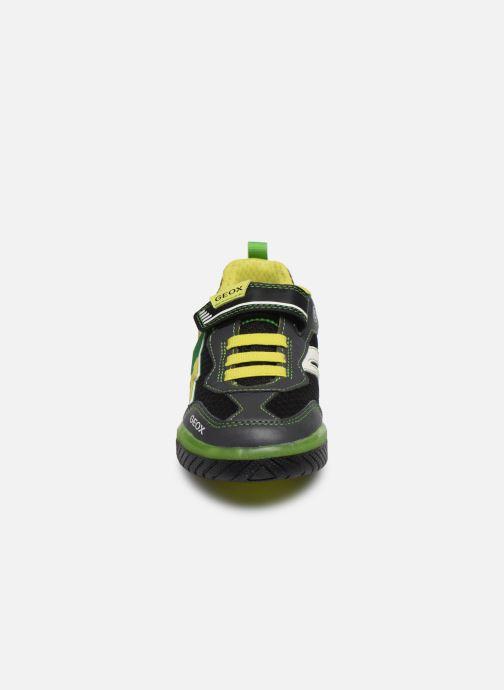 Baskets Geox J Inek Boy J029CB Noir vue portées chaussures