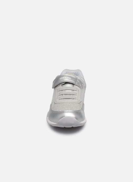 Baskets Geox J Jocker Plus Girl J02AUB Argent vue portées chaussures