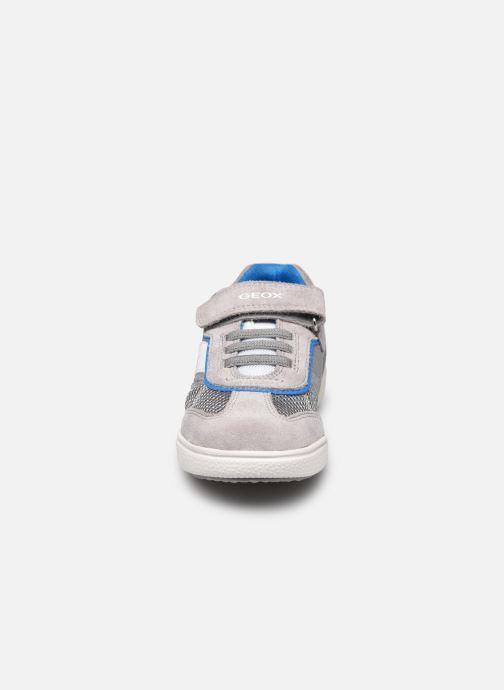 Baskets Geox J Poseido Boy J02BCD Gris vue portées chaussures