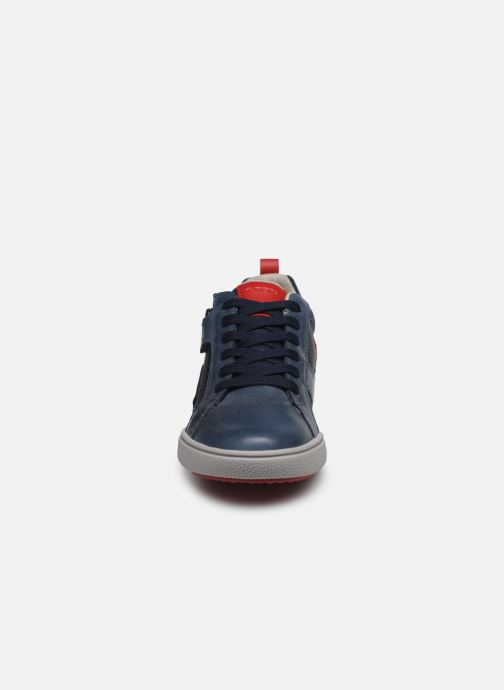 Baskets Geox J Poseido Boy J02BCE Bleu vue portées chaussures