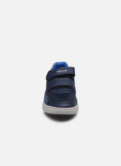 Sneakers Geox J Poseido Boy J02BCF Azzurro modello indossato