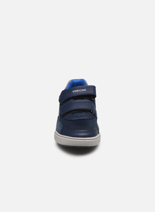 Baskets Geox J Poseido Boy J02BCF Bleu vue portées chaussures