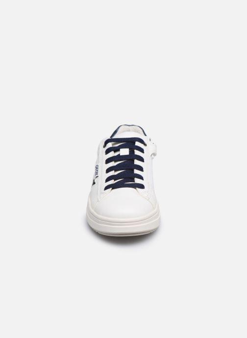 Sneaker Geox J Rebecca Girl J02BDB weiß schuhe getragen