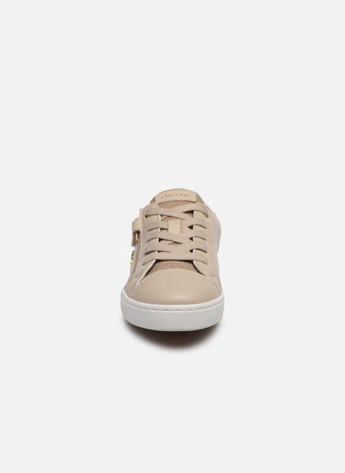 Baskets Geox J Kilwi Girl J02D5B Beige vue portées chaussures