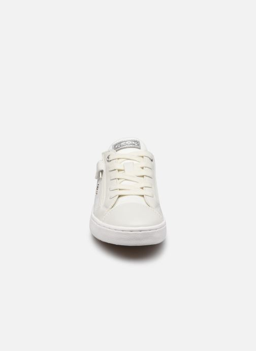 Sneakers Geox J Kilwi Girl J02D5B Bianco modello indossato