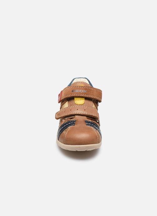 Sandales et nu-pieds Geox B Kaytan B0250A Marron vue portées chaussures