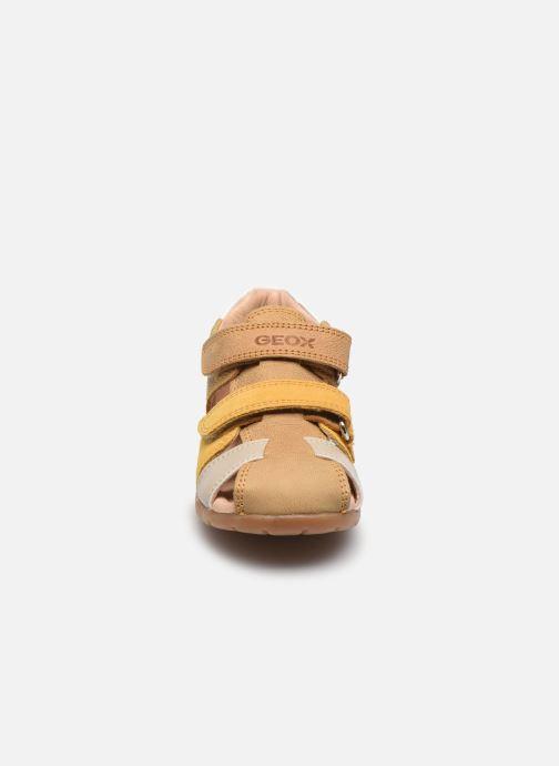 Sandales et nu-pieds Geox B Kaytan B0251D Jaune vue portées chaussures