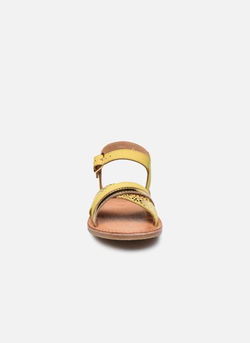 Sandales et nu-pieds Geox J Sandal Eolie Girl J02BSC Jaune vue portées chaussures