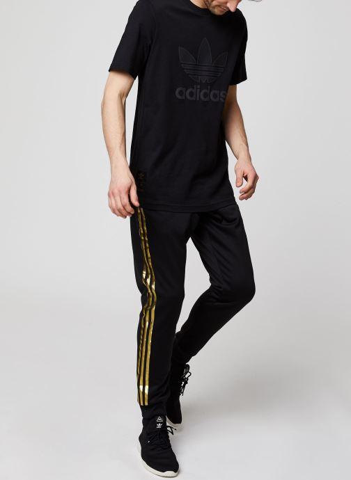 Vêtements adidas originals Sst50 Track Pant 24K Noir vue bas / vue portée sac