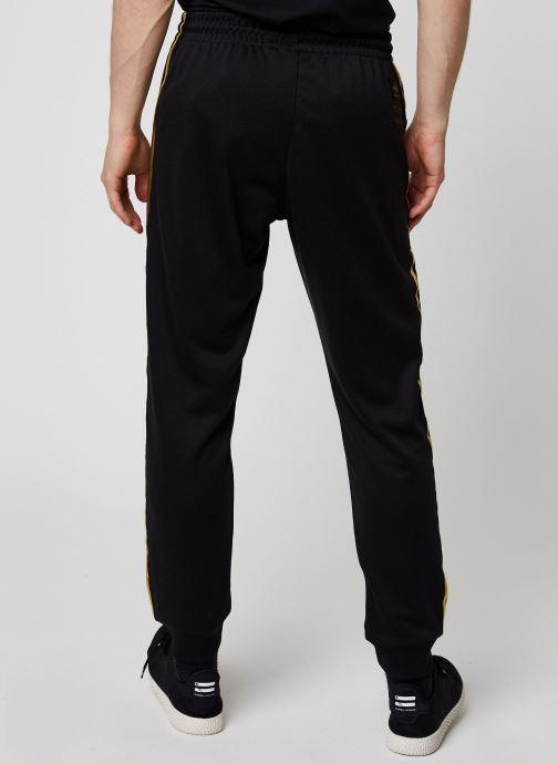 Vêtements adidas originals Sst50 Track Pant 24K Noir vue portées chaussures