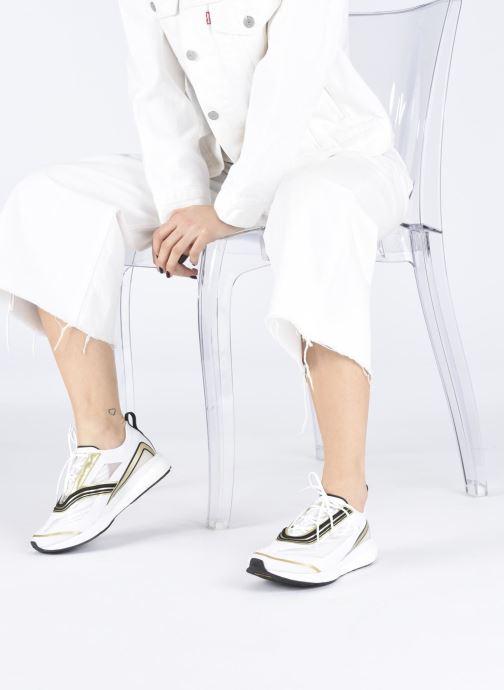 Sportschuhe adidas by Stella McCartney Boston S. weiß ansicht von unten / tasche getragen