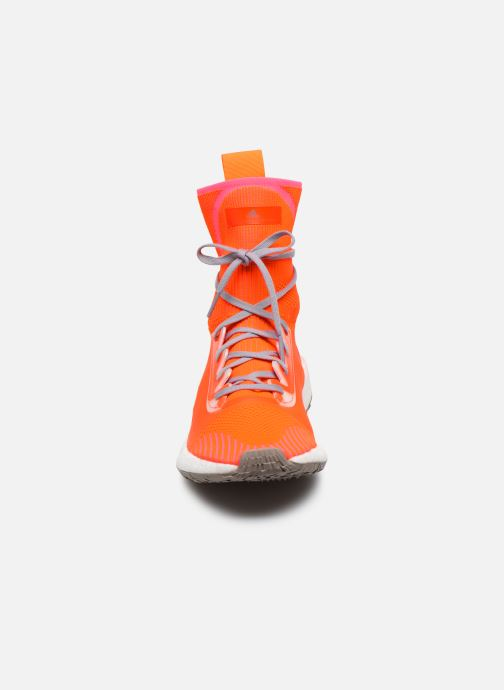 Baskets adidas by Stella McCartney Pulseboost Hd Mid S. Orange vue portées chaussures