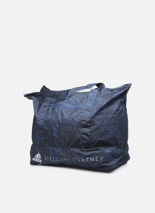 Sporttaschen adidas by Stella McCartney Large Tote blau schuhe getragen
