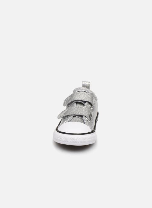 Sneakers Converse Chuck Taylor All Star 2V Coated Glitter Ox Sølv se skoene på