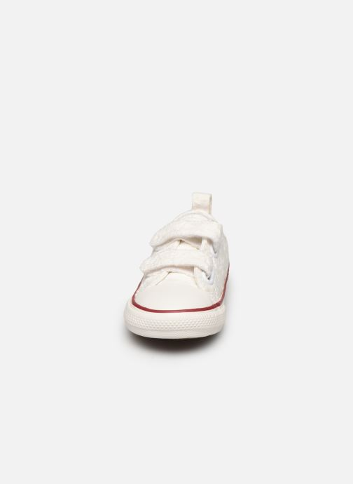 Sneakers Converse Chuck Taylor All Star 2V Little Miss Chuck Ox Hvid se skoene på