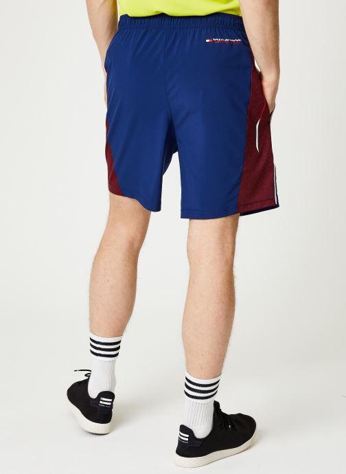 Vêtements Tommy Sport Vent Colourblock Woven Short 7' Bleu vue portées chaussures