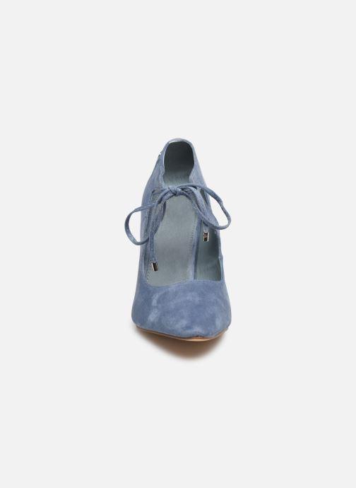 Zapatos de tacón Xti 35004 Azul vista del modelo