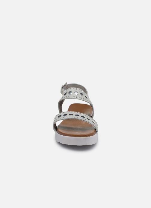 Sandales et nu-pieds Xti 56655 Gris vue portées chaussures