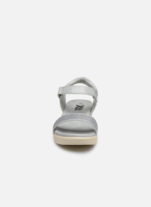 Sandales et nu-pieds Xti 56661 Gris vue portées chaussures