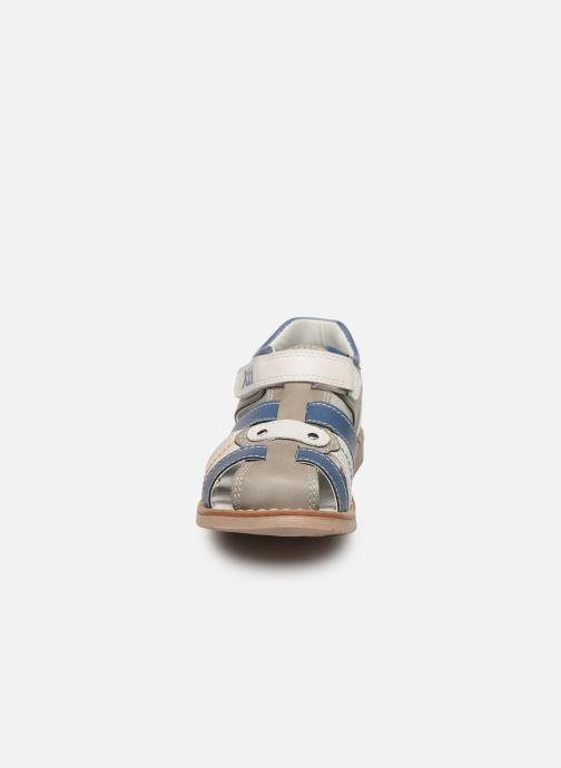 Sandales et nu-pieds Xti 56808 Gris vue portées chaussures