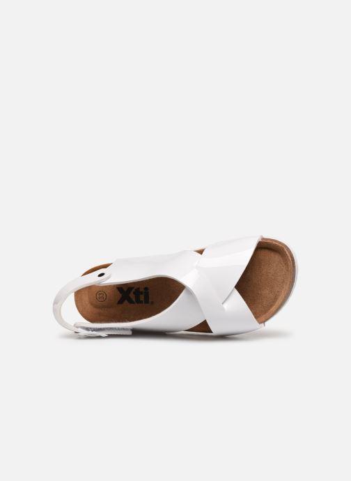 Sandales et nu-pieds Xti 56862 Blanc vue gauche
