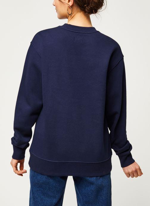Vêtements Tommy Jeans TWJ Tommy Classics Sweatshirt Bleu vue portées chaussures
